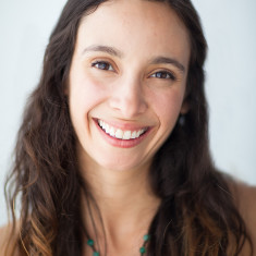 kim neer prenatal yoga teacher at One Down Dog Yoga in Silverlake